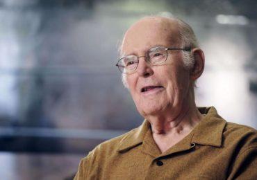 Гордон Мур - основатель корпорации Intel, основоположник «закона Мура»